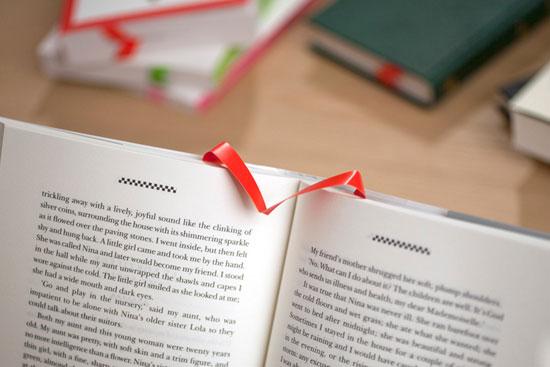 albatros bookmark di tengah halaman