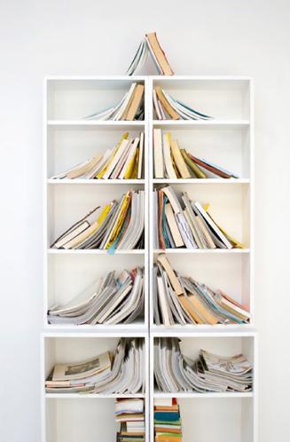 Pohon Pinus dari Susunan Buku